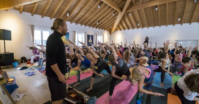 <!--:de-->Bildergalerie und Video: Bhakti Yogafestival im Sonnenstrahl 2015<!--:-->